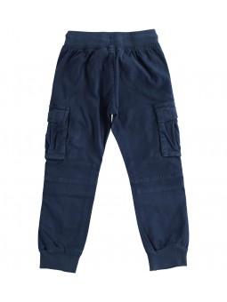 Pantalón estilo cargo...