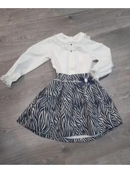 Conjunto de blusa y falda...